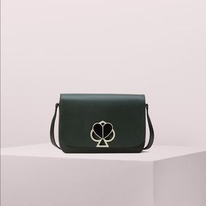 Nicola twistlock med shoulder bag deep evergreen